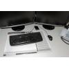 Schreibtisch mit Schreibtischunterlage