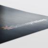 Partieller Relieflack verleiht Drucksachen eine erhabene Struktur.
