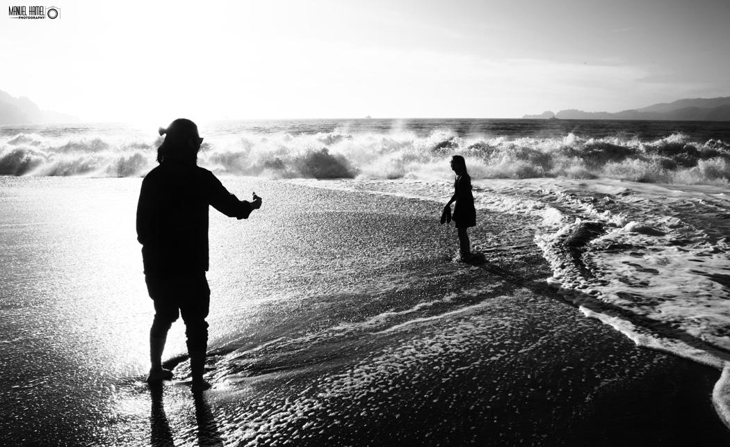 Eine Liebesgeschichte in Schwarz-Weiß zeigt dieses Foto von Manuel Hamel.