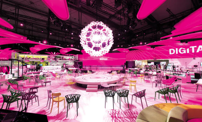 messestand-design-deutsche-telekom-cebit-2016