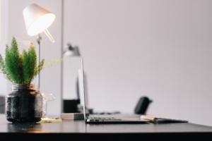 Ergonomie am Arbeitsplatz - Schreibtischlampe