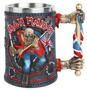 Den Bierkrug von Iron Maiden gibt es bei EMP.