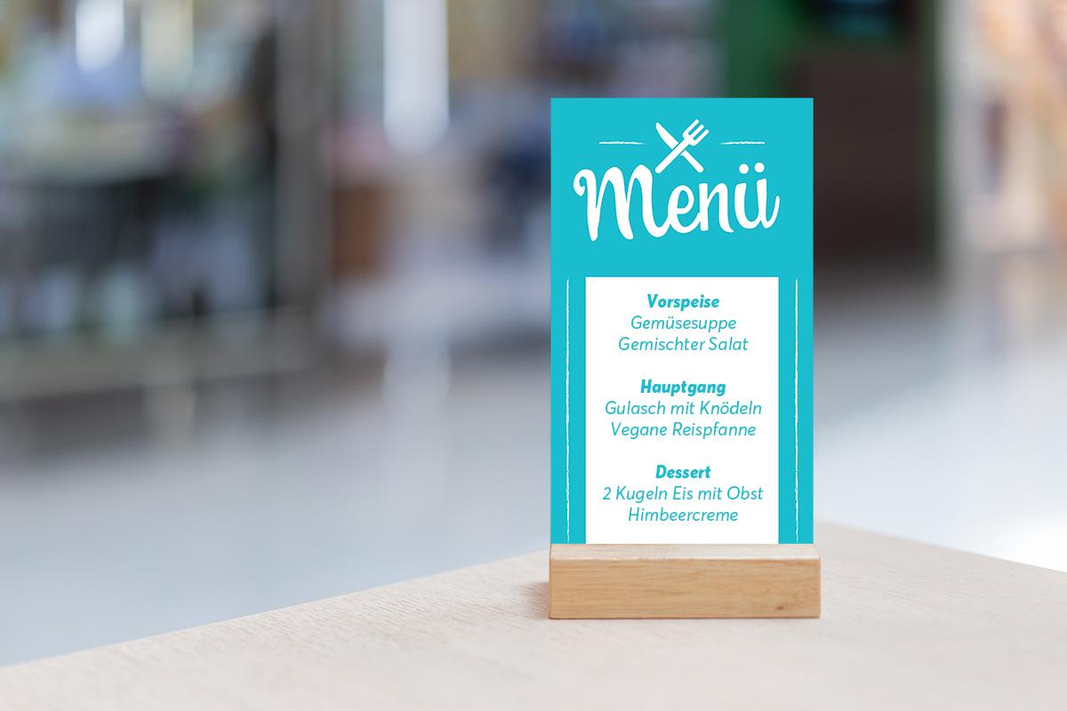 Vorlage einer Speisekarte als Tischkarte präsentiert
